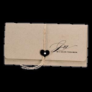 Eco bruine pochettekaart met zwart hartje I 106113