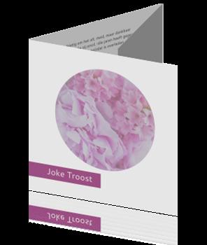 Moderne drieluik rouwkaart met hortensia