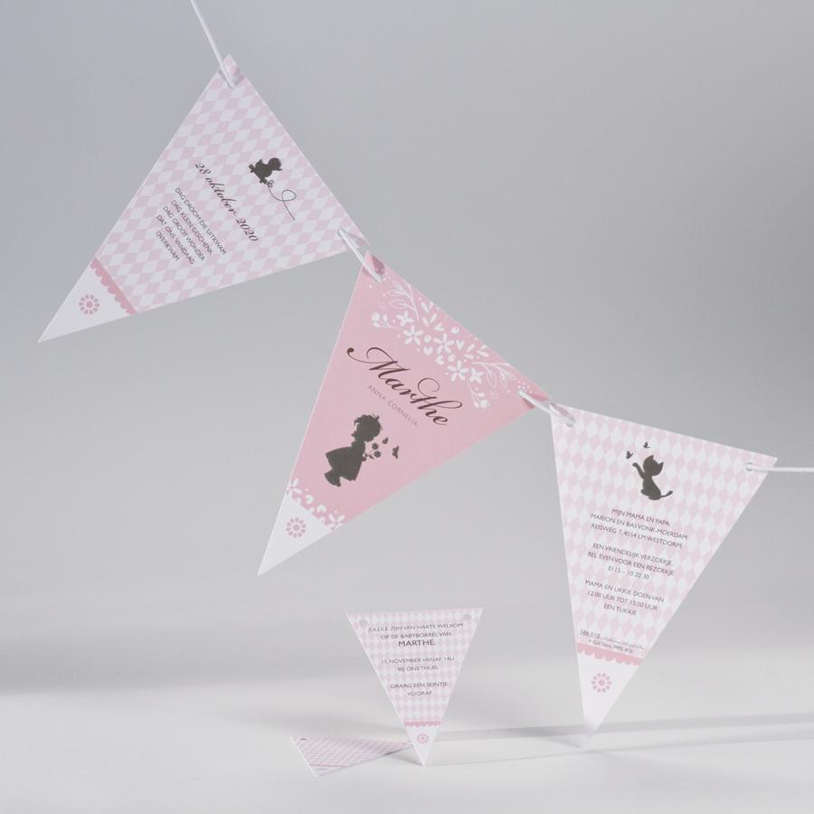 Feestelijke geboortekaart roze vlaggetjes 586010