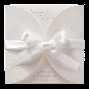 Klassieke trouwkaart van Belarto met witte strik I 726911