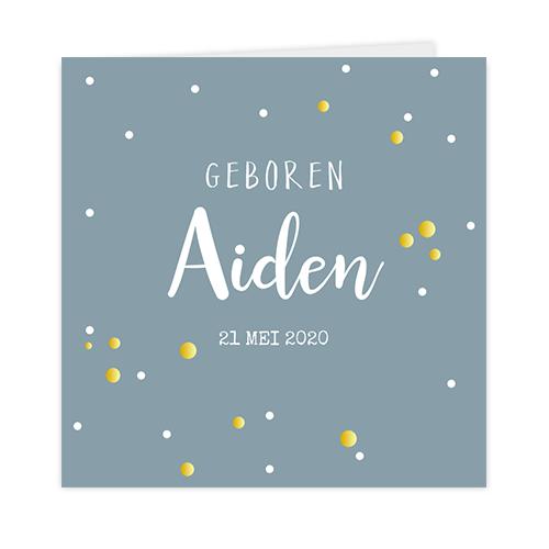 Goudfolie geboortekaartje met confetti op een blauwe achtergrond
