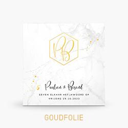 Goudfolie trouwkaart met marmer en monogram