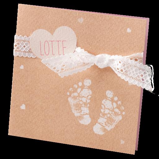 Lief en klassiek kaartje met kanten strikje en babyvoetjes I 714089