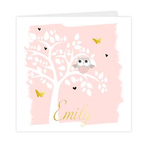Goudfolie-geboortekaartje met silhouet van boom en uiltje