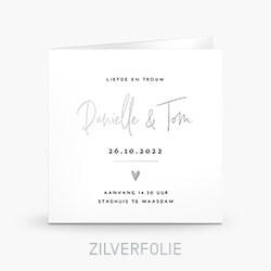 Trouwkaart met zilverfolie in een clean ontwerp