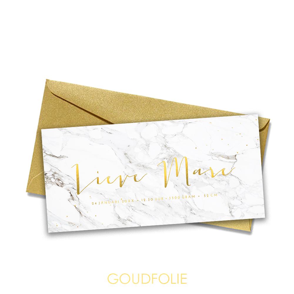 Goudfolie geboortekaartje met marmer en gouden spetters