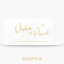 Trouwkaart goudfolie met sierlijke letters en hartjes