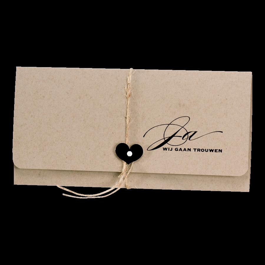 Eco bruine pochettekaart van Buromac met zwart hartje I 106113