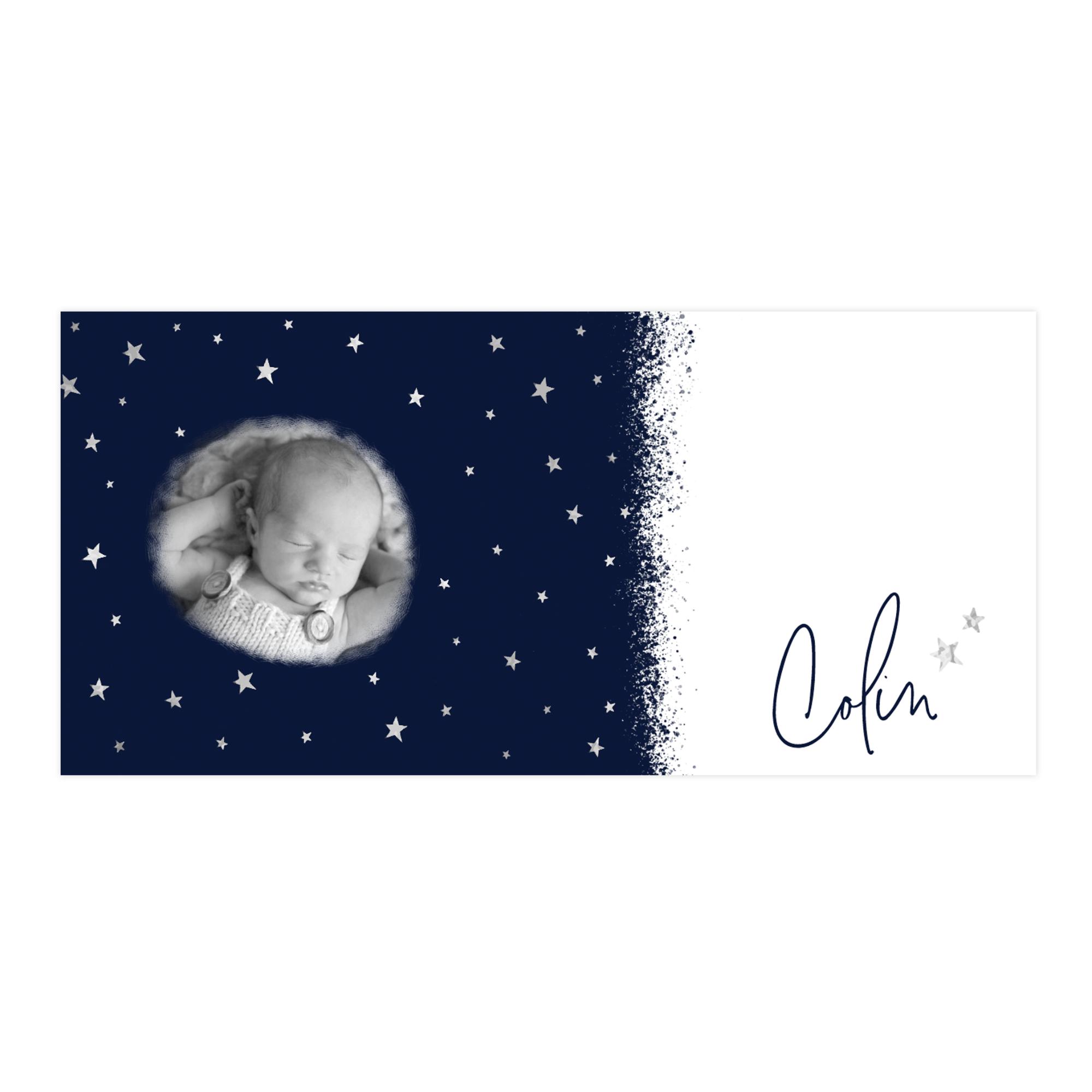 Stoer zilverfolie geboortekaartje met zilveren sterren hemel en foto