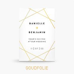 Goudfolie trouwkaart met geometrische lijnen en hartje