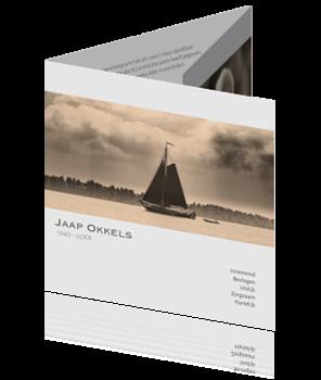 Drieluik rouwkaart zeilboot op zee