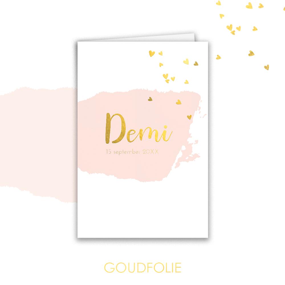 Goudfolie geboortekaartje met waterverf en gouden hartjes